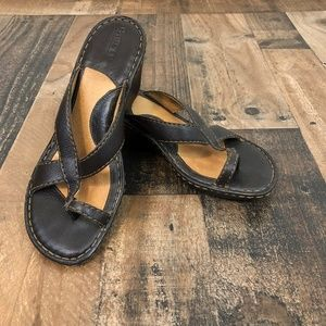 Born Brown trappy Wedge Sandals Size 8